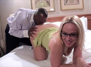 Hot Blonde MILF Porn Pictures