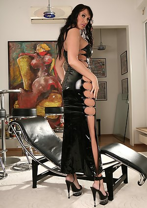 Hot MILF Latex Porn Pictures