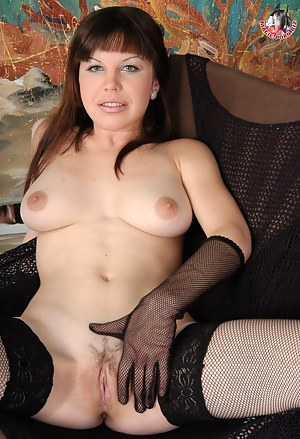 Hot Russian MILF Porn Pictures