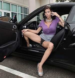 Hot MILF Car Porn Pictures