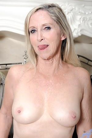 Hot MILF Facial Porn Pictures