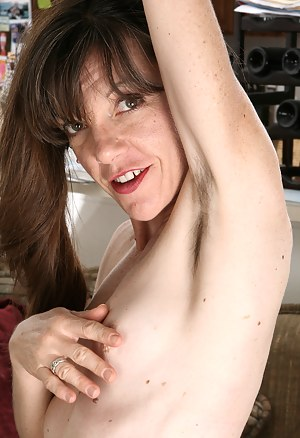 Hot Hairy MILF Porn Pictures